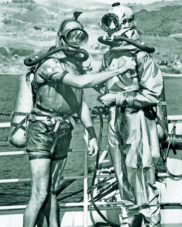 The aqualung allowed divers to dive without being tied to the surface.