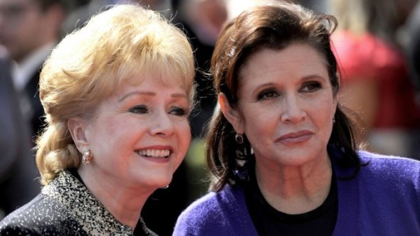 carrie_fisher_debbie_reynolds_a_l