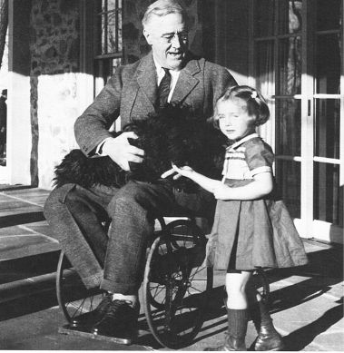 Inspirational-speaker-and-leader-Franklin-Roosevelt-wheelchair